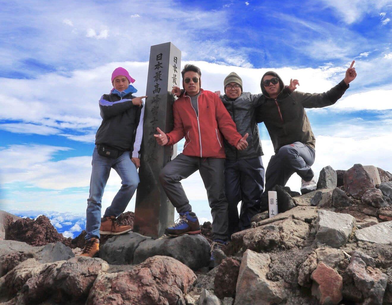 技能実習生による登山の様子